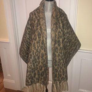 NWOT  Anthropologie Madison  88 Leopard scarf
